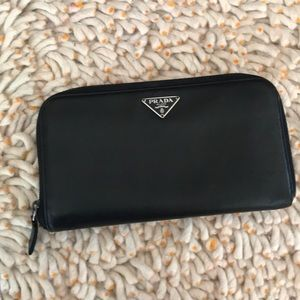Pre-loved authentic Prada saffiano large wallet